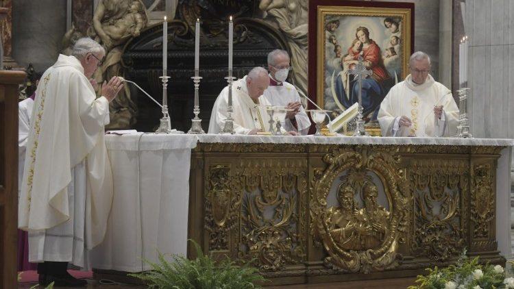 Il-Papa lill-Isqfijiet Ewropej: L-imħabba biss tissodisfa l-qalb tal-bniedem